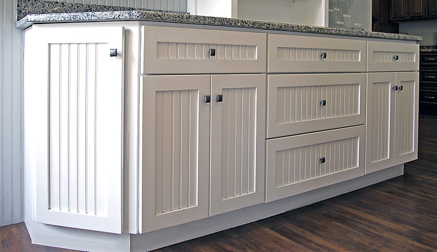 Warwick kitchen cabinets builders surplus for Bathroom cabinets builders warehouse