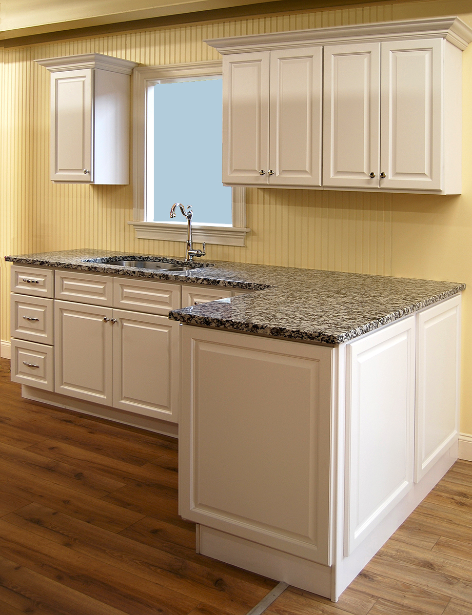 classic kitchen cabinets newport white kitchen cabinets builders surplus 13601
