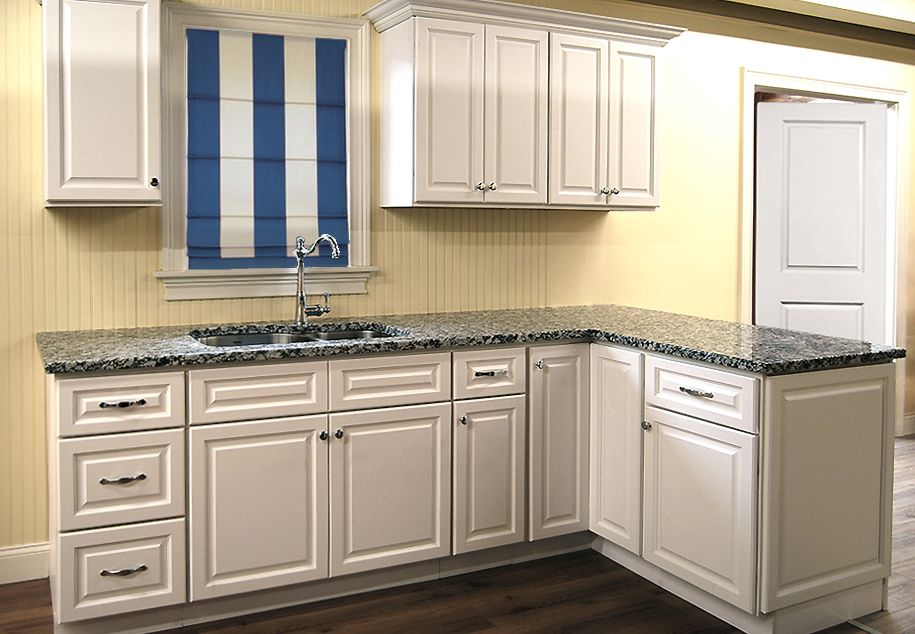 Newport white kitchen cabinets builders surplus - Bathroom cabinets builders warehouse ...