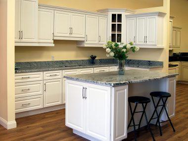 Newport White Kitchen Cabinets