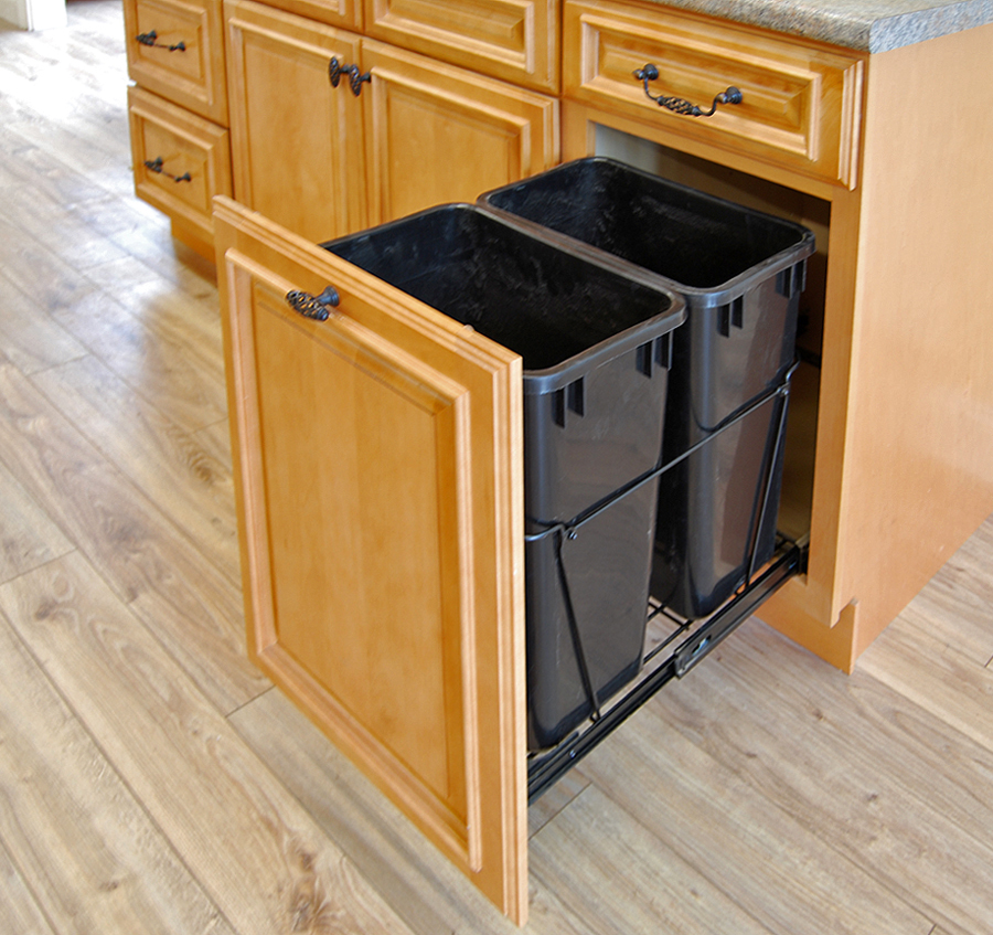 Kitchen cabinet options builders surplus for Kitchen cupboard options