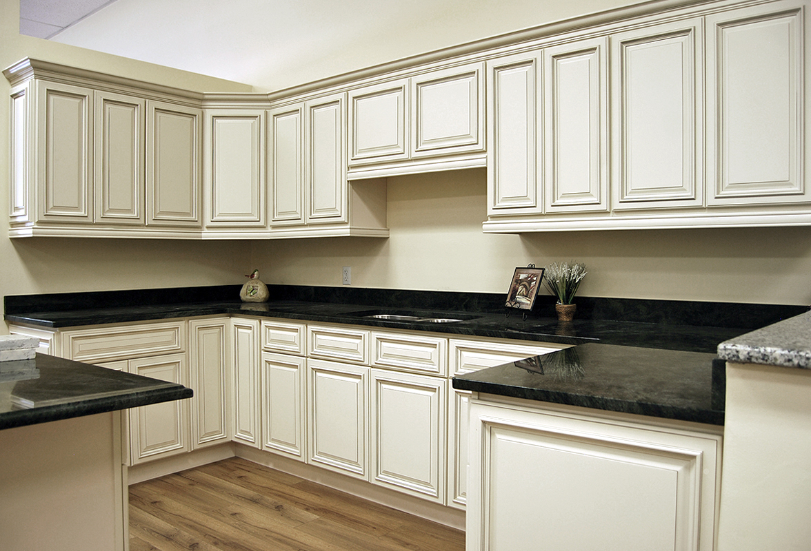 Biltmore pearl kitchen cabinets builders surplus for Kitchen cabinet shelves